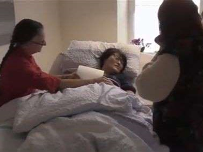 日本NHK电视台将女子追求安乐死的过程拍成纪录片。  影片截图