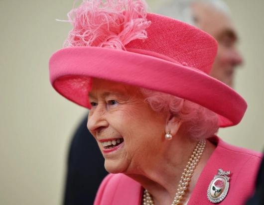 有国会议员担心,这种手段会迫使英女皇捲入脱欧争议和漩涡中。