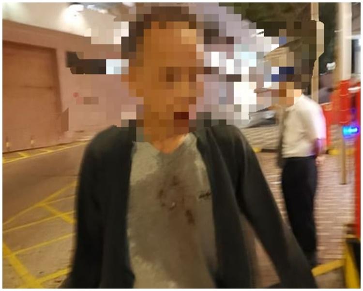 一名自稱是大律師的乘客在的士嘔吐。facebook專頁「西客之道」