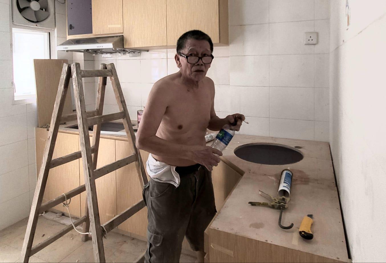 装修工人吴先生目击拘捕过程。