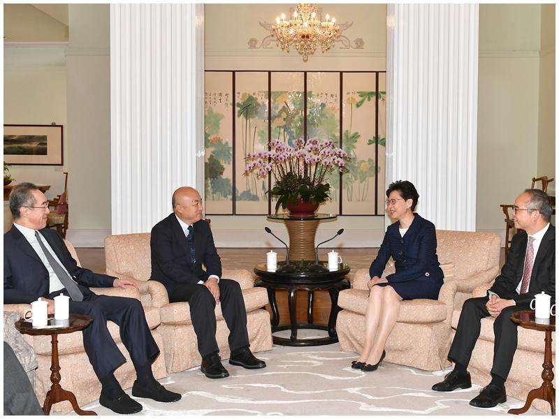 林郑月娥与王旭东会面。民政事务局局长刘江华和西九文化区管理局董事局主席唐英年亦有出席。