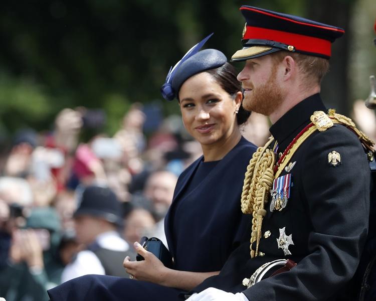 哈里王子和妻子梅根都一同參加閱兵儀式。AP