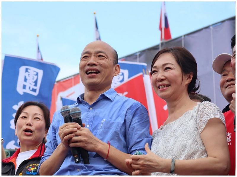 韓國瑜與妻子李佳芬昨日到花蓮造勢。網圖