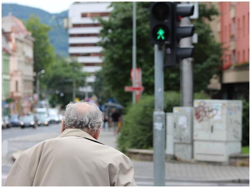 日本政府指需要2000万日圆退休金。示意图