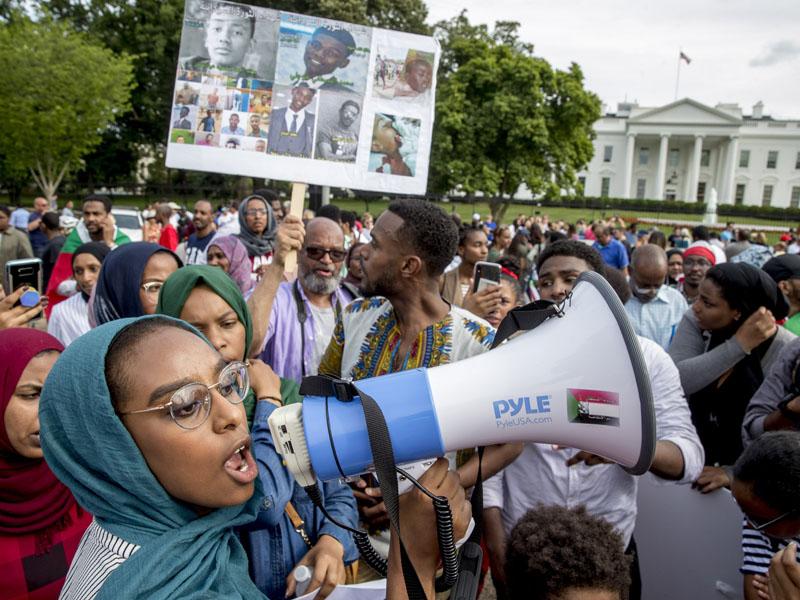苏丹反对派号召民众发动大罢工。