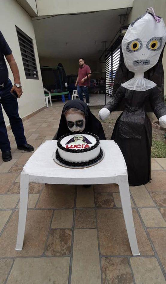 露絲亞舉辦一個以《詭修女》為主題的生日會。Andrea Twitter圖片
