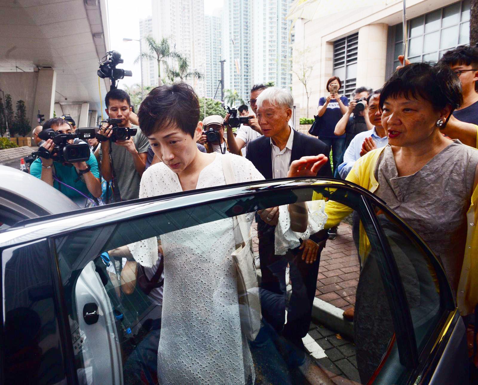 陈淑庄被判囚8个月,缓刑2年,其议席及大律师资格或不保。