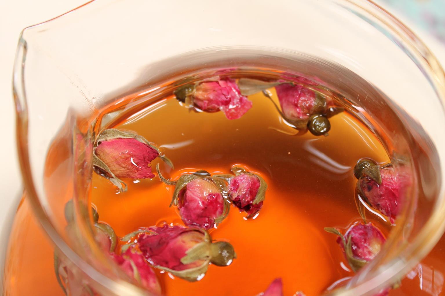 玫瑰屬於性甘微苦、溫、無毒,入肝脾二經,具行氣解鬱、和血止痛。網圖