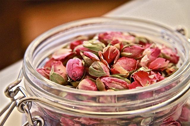 中醫建議選用粉紅色、將開未開的花苞效果最好。網圖