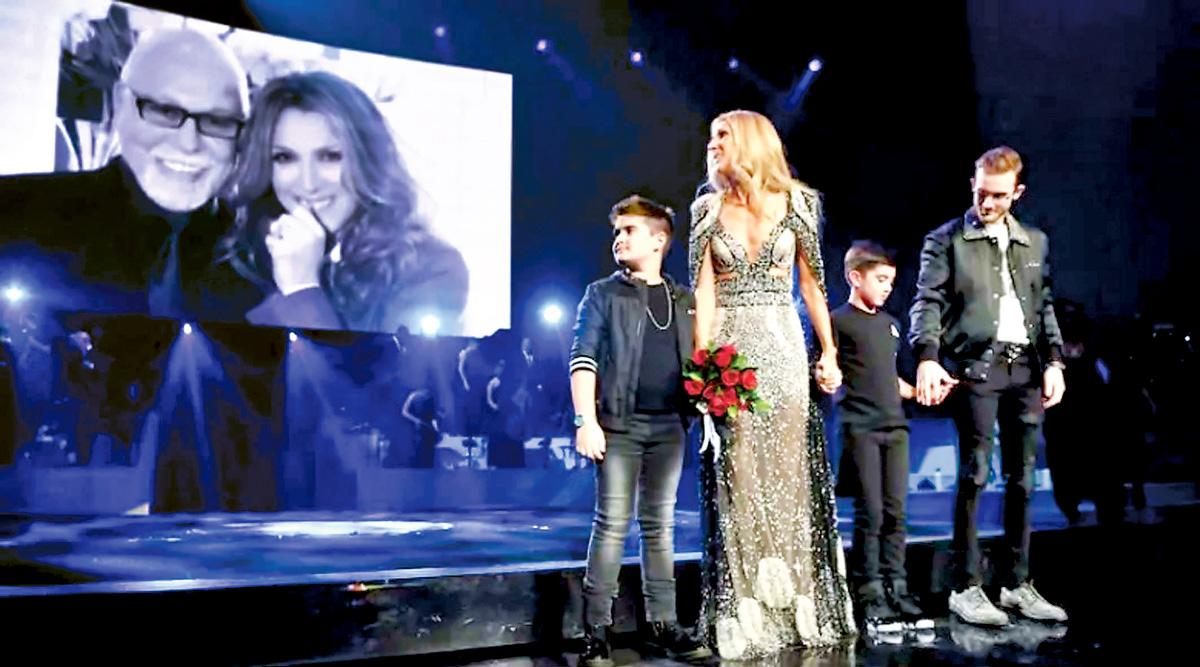 Celine dion帶同兒子上台。網上圖片