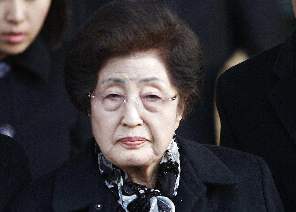 李姬镐是于周一深夜11时37分在首尔新村延世大学医院去世。 图片