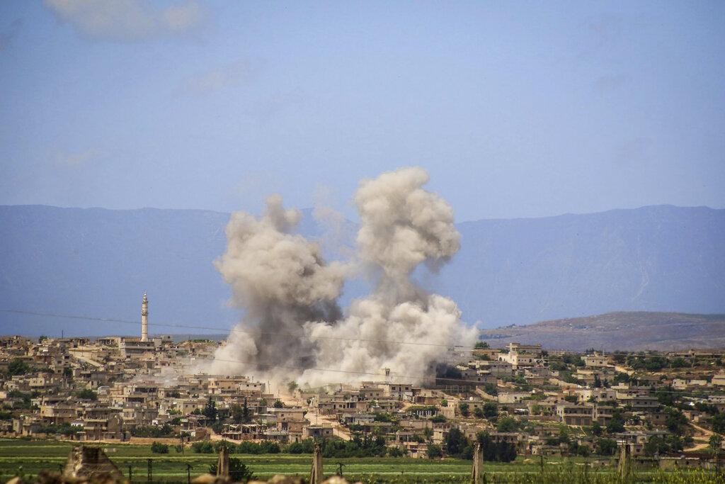 敍利亞的俄羅斯部隊與効忠獨裁者巴沙爾的政府軍,發動空襲和火箭攻擊。 AP圖片
