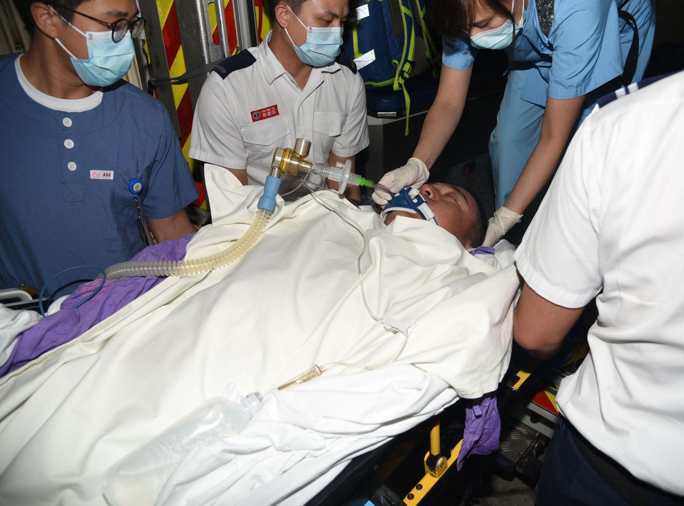 其中兩人傷勢嚴重仍危殆。
