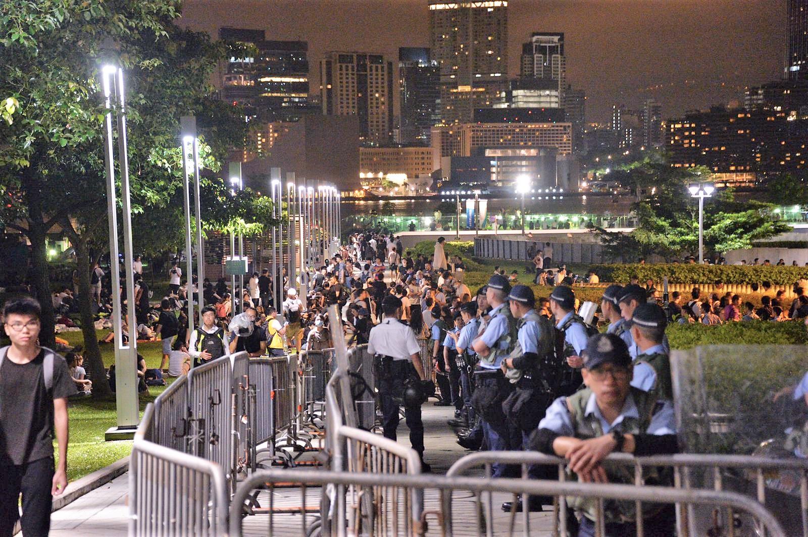 警員在立會外加強佈防。