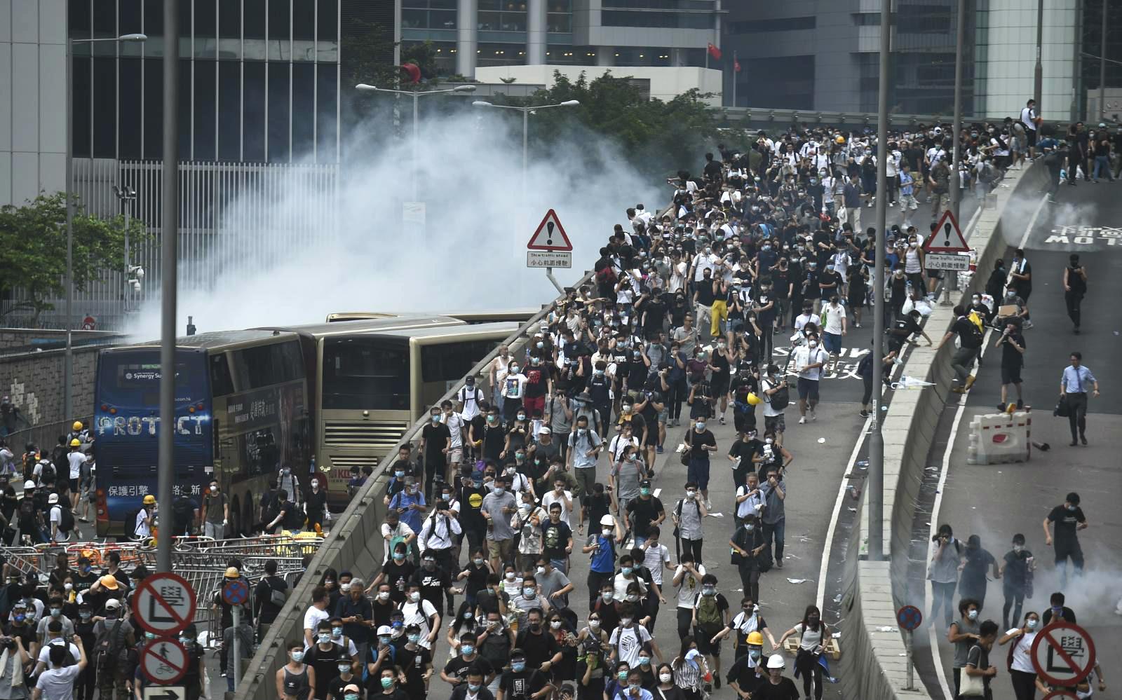 反對修訂《逃犯條例》示威演變成騷亂