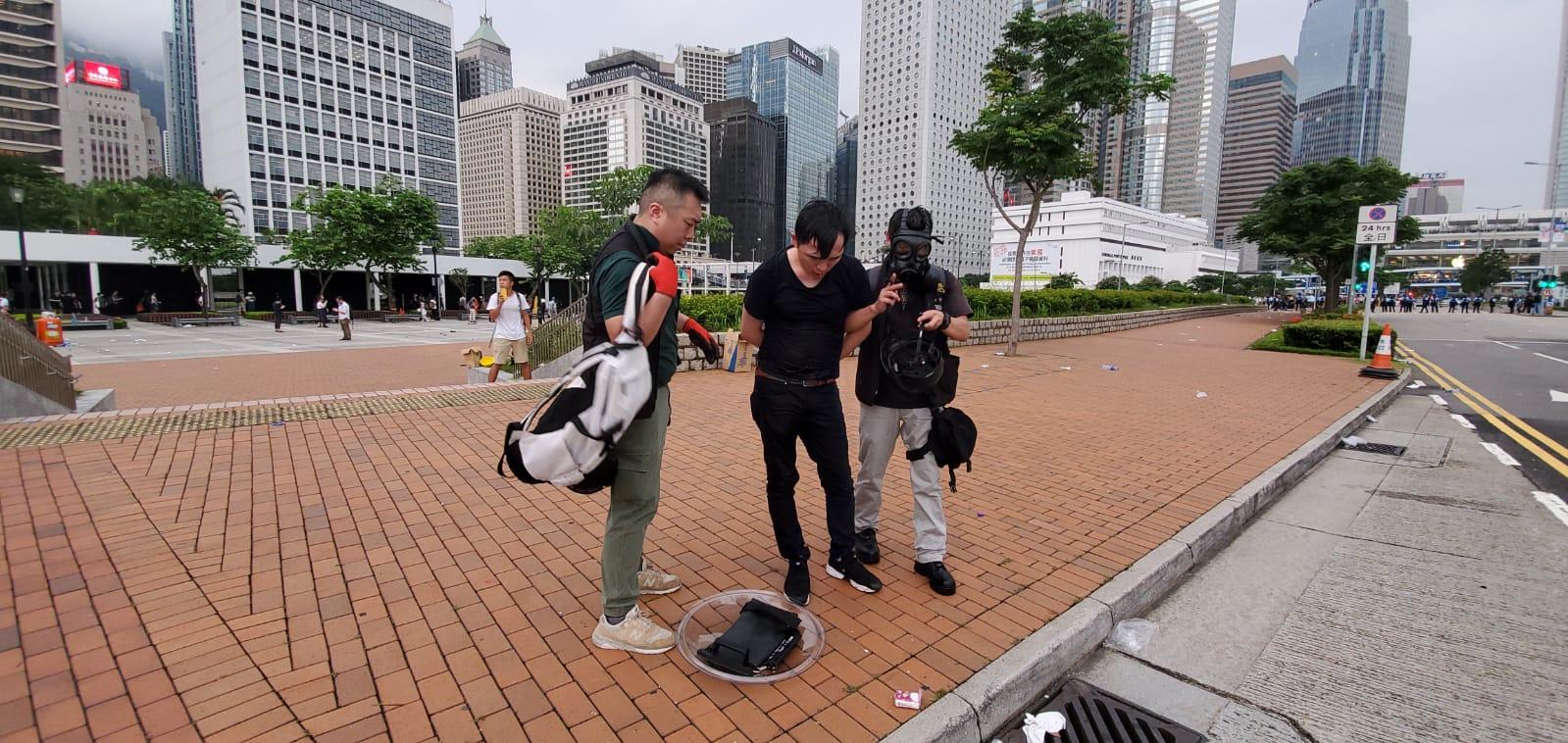 中環大會堂附近警方最少拘捕1人