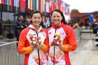 何詩蓓(右)與歐鎧淳揚威法國。相片由泳總提供