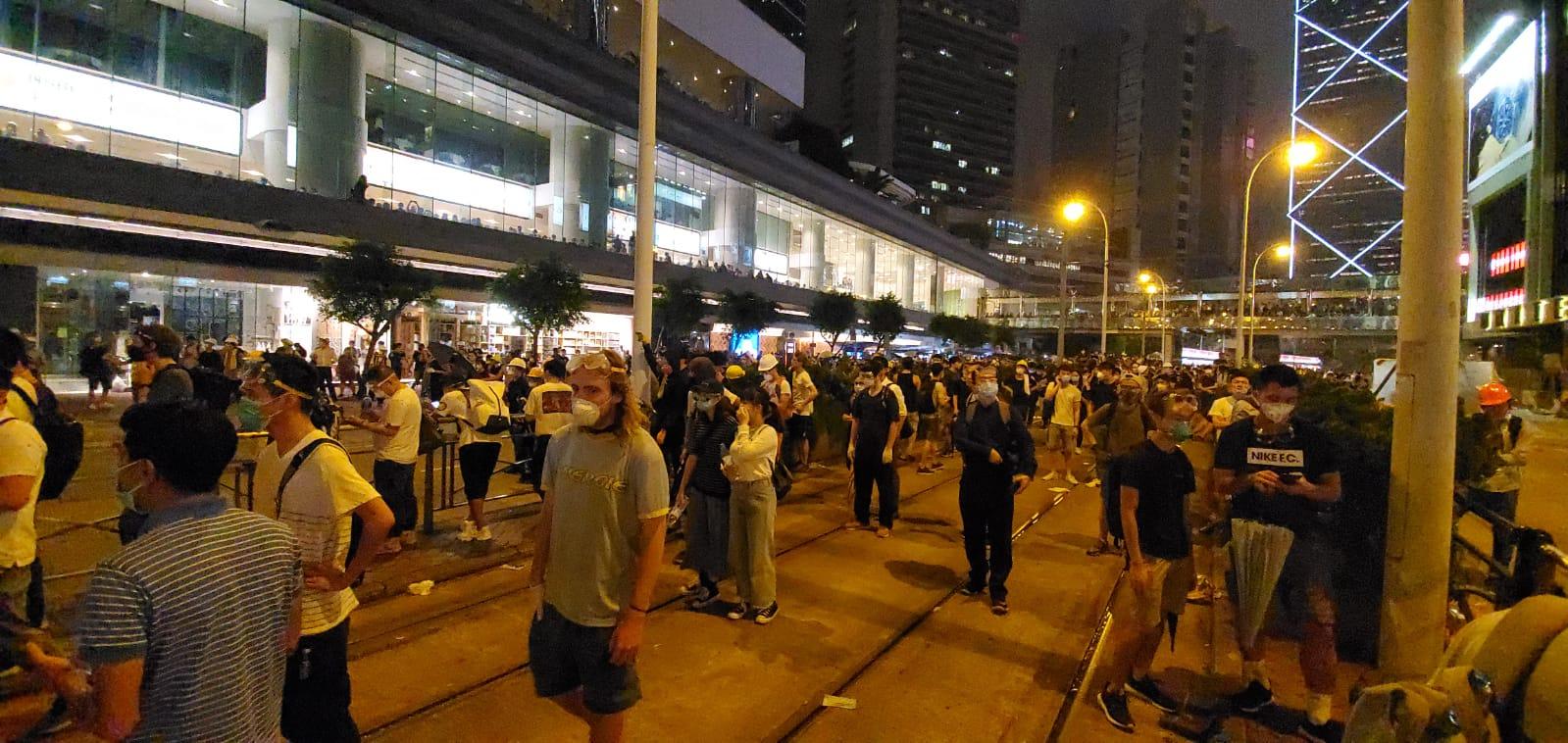 金鐘道示威者續聚集
