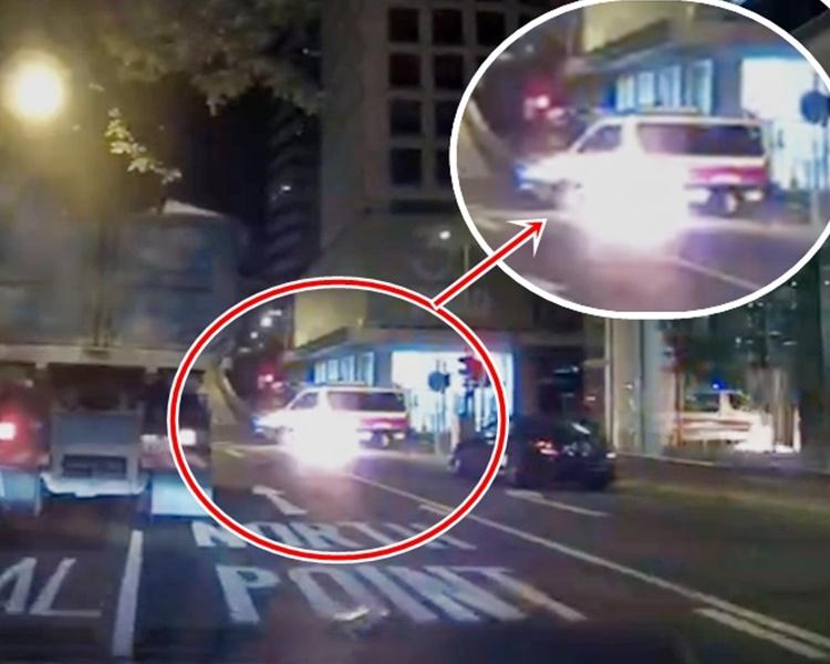 被告涉向冲锋车掷汽油弹。 资料图片
