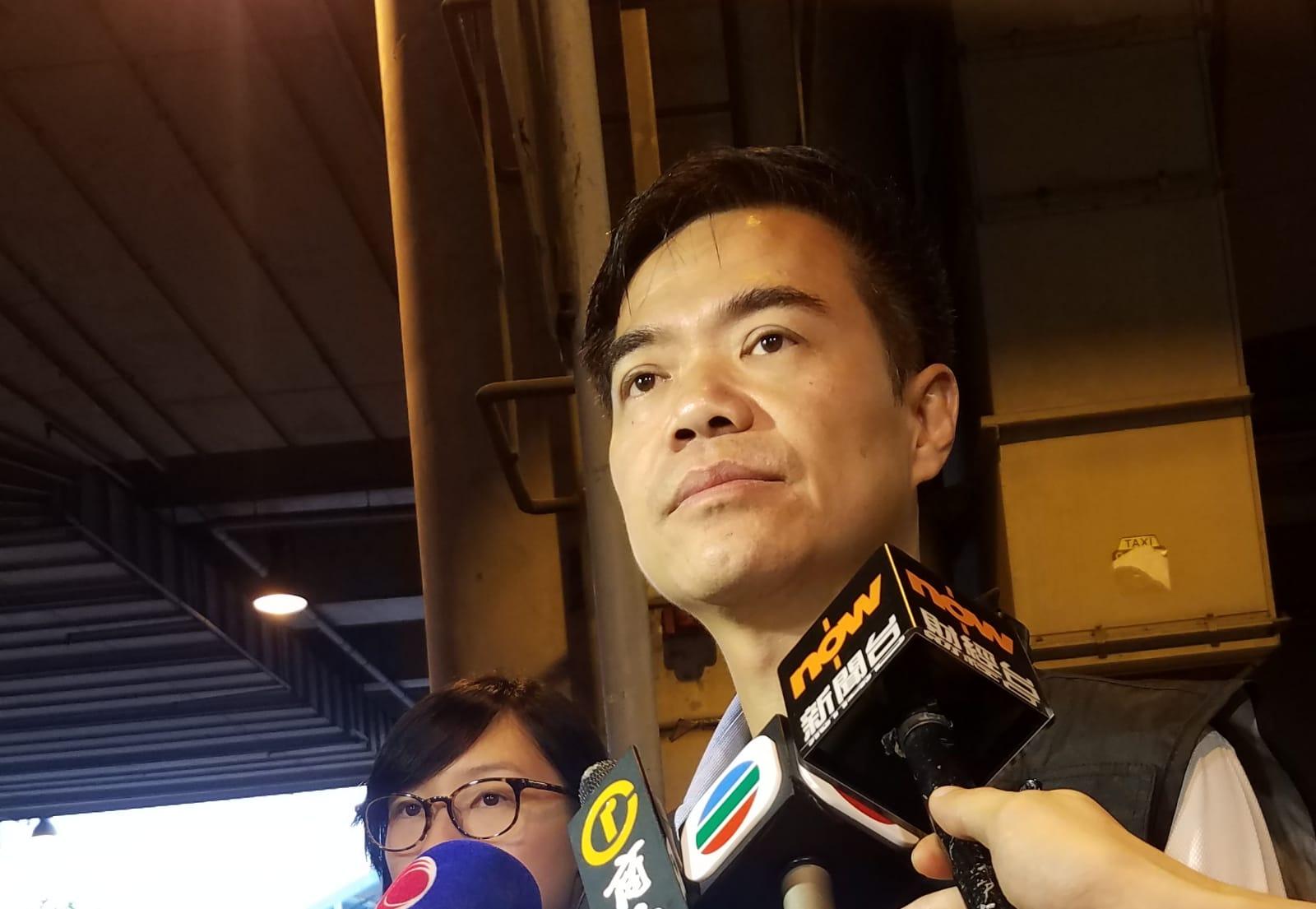 陳天柱強調開槍警員在生命安全受威脅下開槍,符合指引。