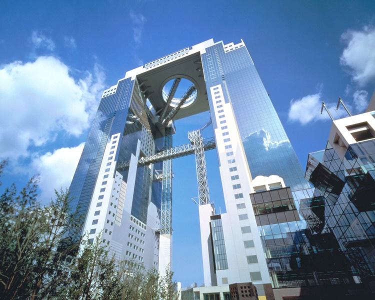 梅田天空大厦空中庭园观景台亦暂停开放。