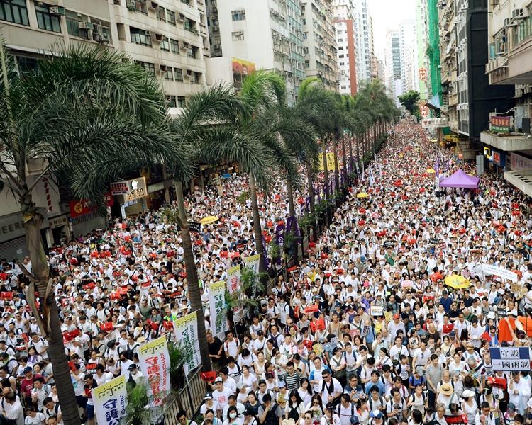 民陣繼上周日發起遊行後,今午再針對修訂《逃犯條例》發起遊行。資料圖片
