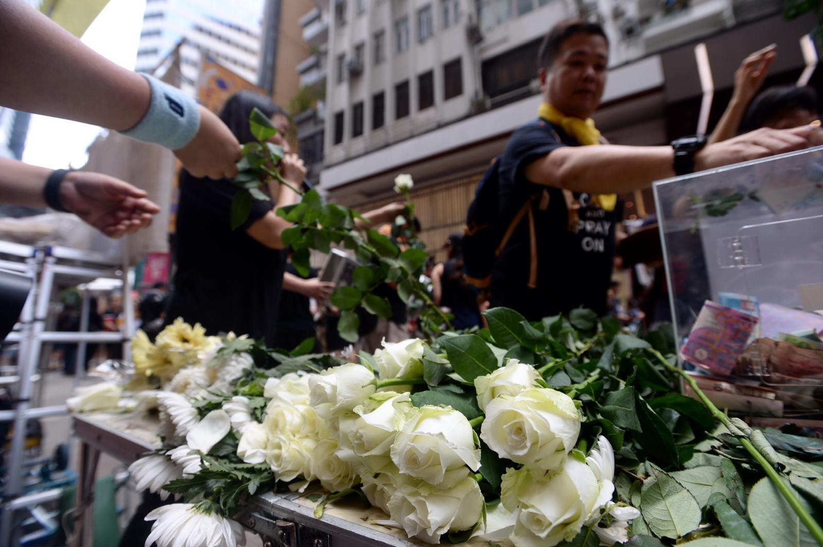 白花是悼念昨日墮斃的反修例支持者。