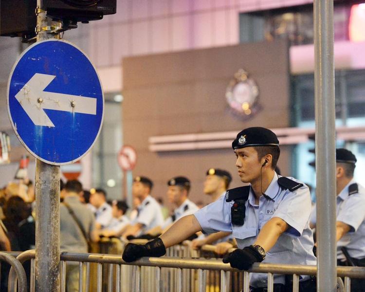 團隊由本月9日開始應民陣邀請,為被捕者提供義務法律支援。