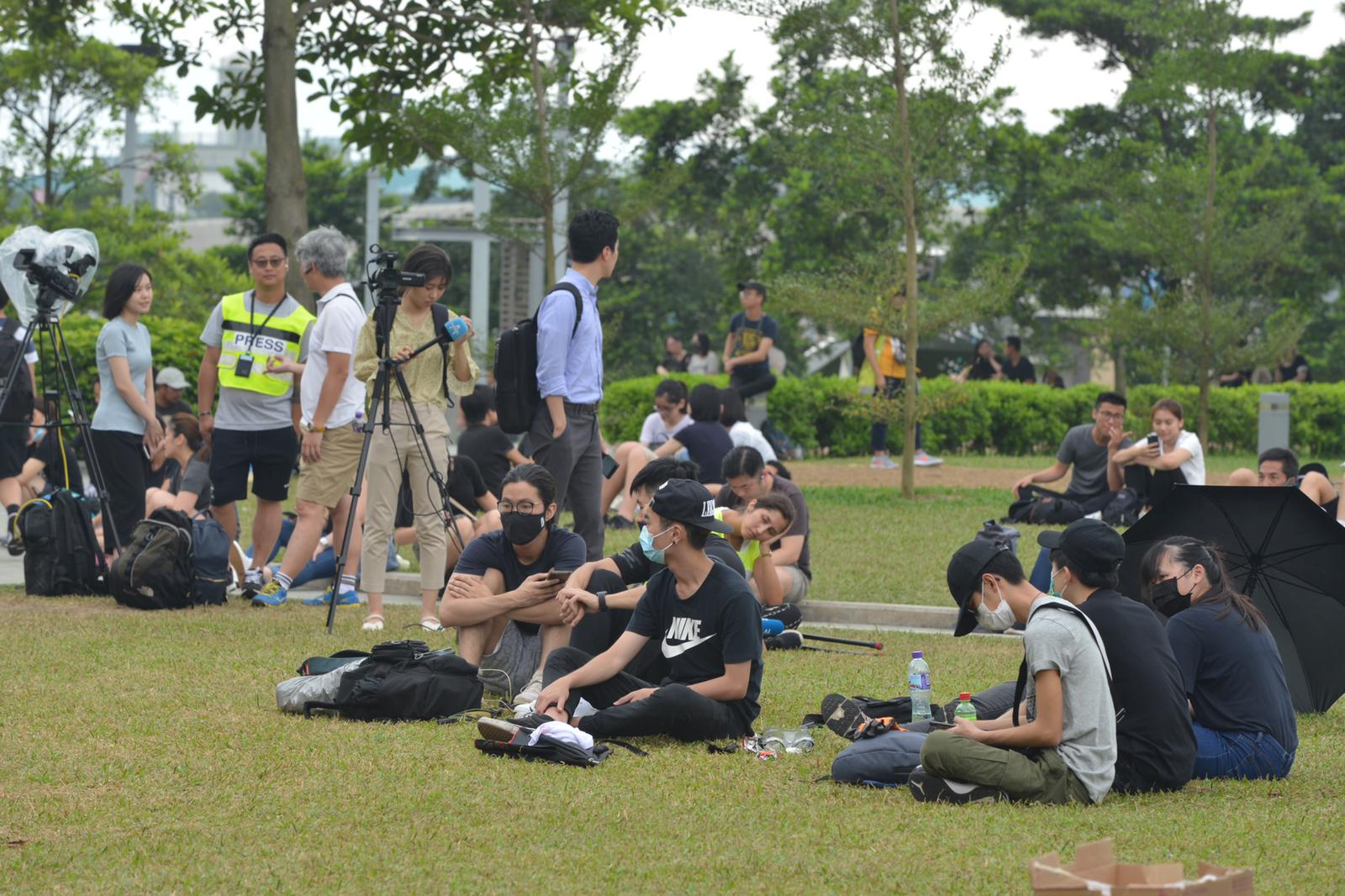 香港眾志、中學反修例關注組及青年反修例關注組,原定於今日在添馬公園舉行罷課集會。