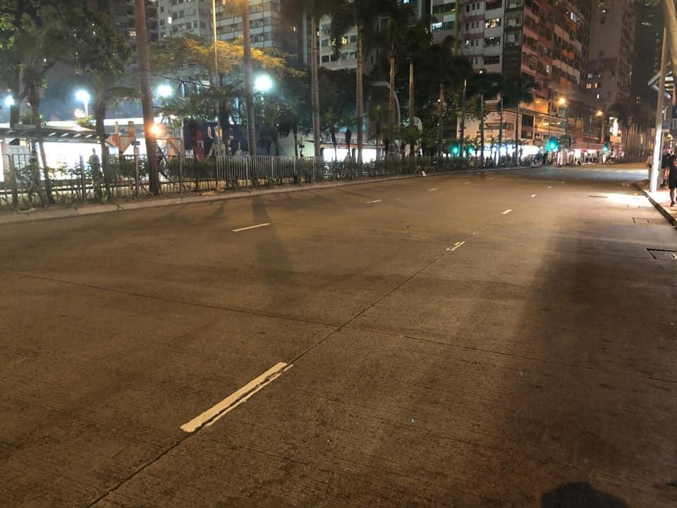 遊行完畢,街道仍保持清潔。網圖