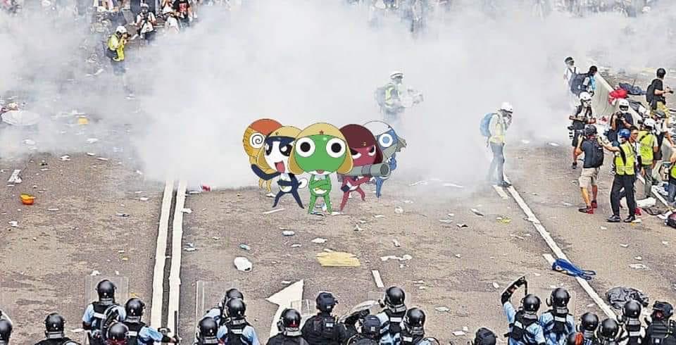《Keroro》軍曹都有到示威現場。網圖