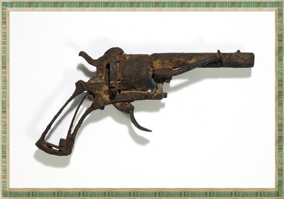 著名畫家梵高疑似用來自殺的Lefaucheux左輪手槍,周三在巴黎拍賣。 AP圖片