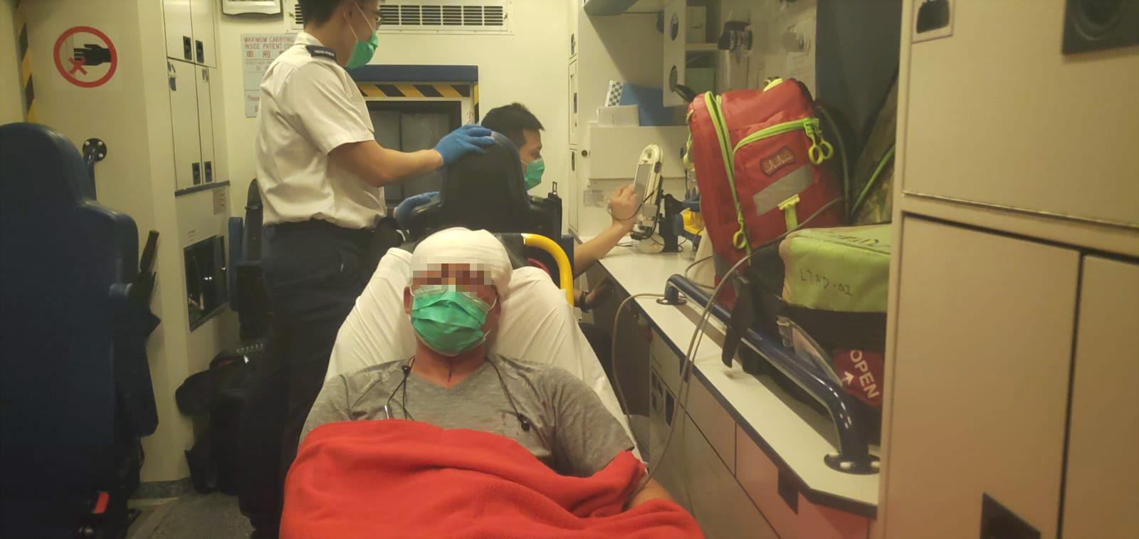丈夫送醫院治理。