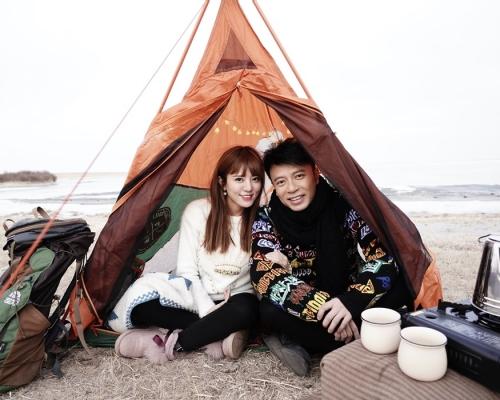 克勤冒寒內蒙古拍MV