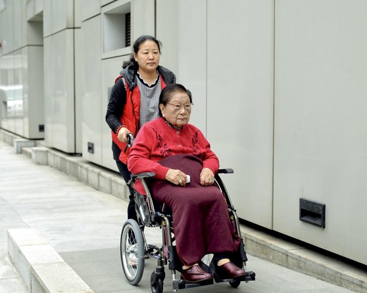 羅老太已正式向高等法院申請上訴。