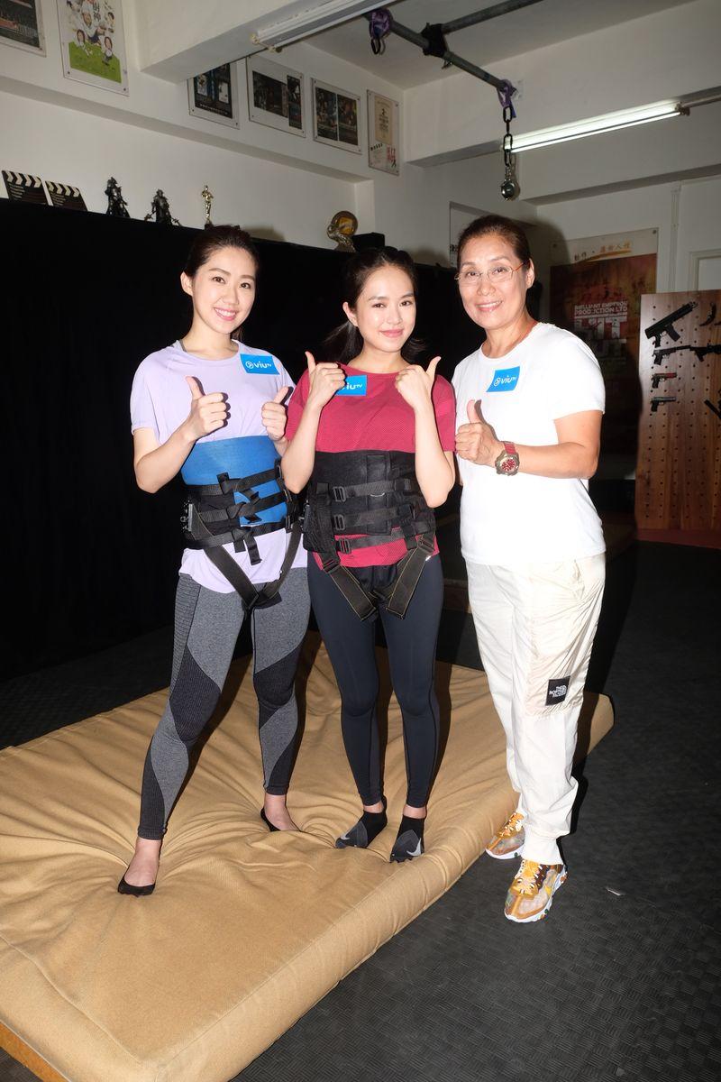 蘇麗珊和模特兒林小美接受楊盼盼特訓。