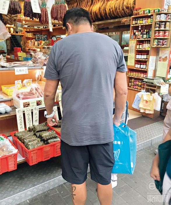 魏駿傑在九龍城捐窿捐罅搵食材,非常熟路。東周刊圖片