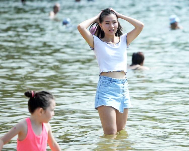 高空反氣旋會在未來兩三日為華南沿岸帶來普遍晴朗及酷熱的天氣。