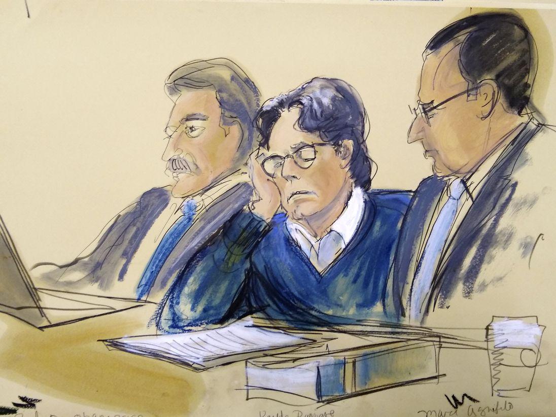陪审团昨日裁定他全部罪名成立。