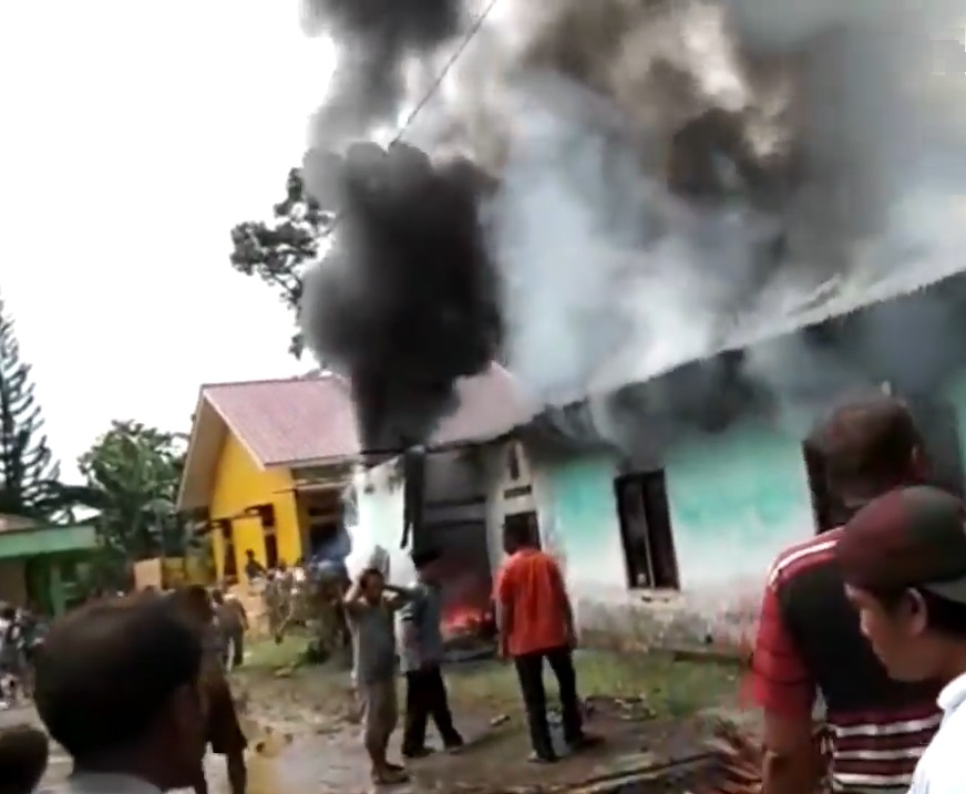 印尼一间火柴厂大火,至少30人死亡。网上图片