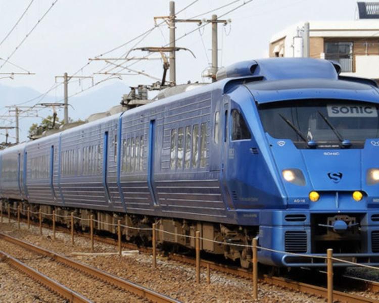 事故导致特急「SONIC」有49个电车班次停驶或误点。网图