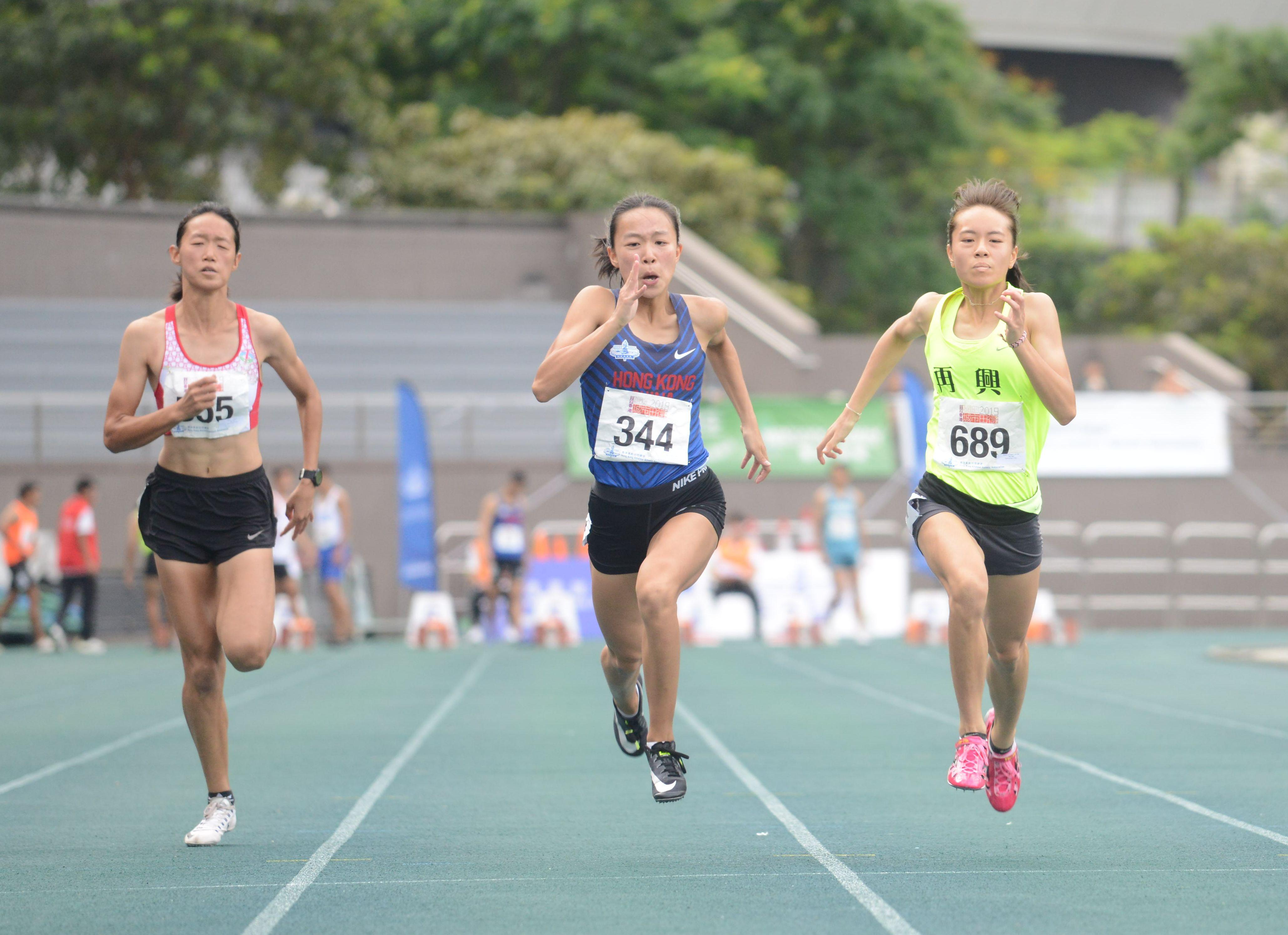 梁詠曦於女子100米決賽奪得亞軍。馮梓健攝