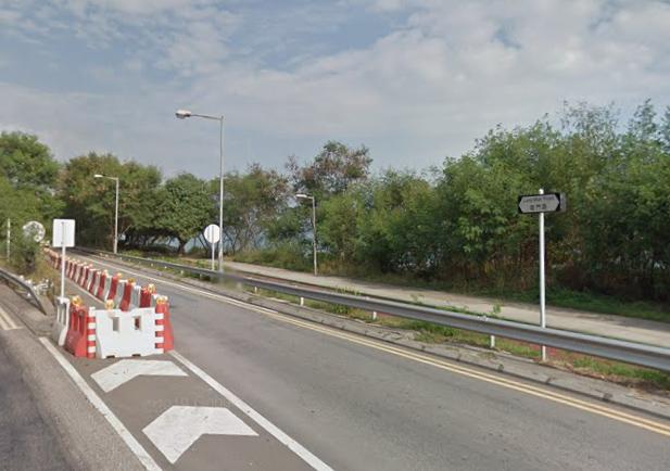 屯門龍門路及龍富路交界發生交通意外。 網圖