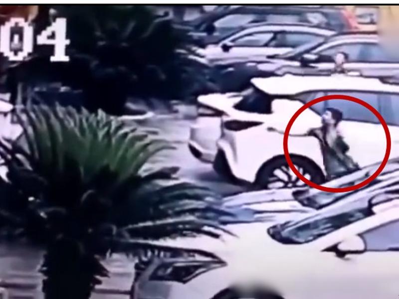 貴州印江縣一名姓陳男子徒手接住了一名墜樓兒童。影片截圖