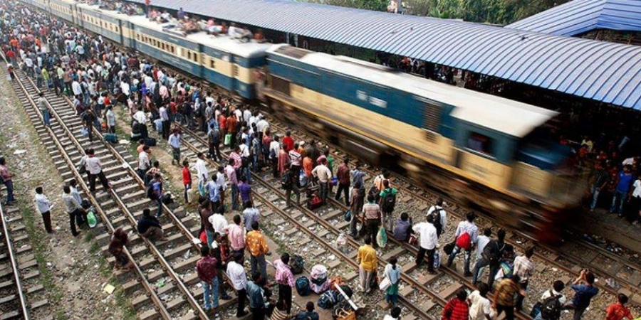 孟加拉一列火車今日發生脫軌意外。示意圖/AP圖片