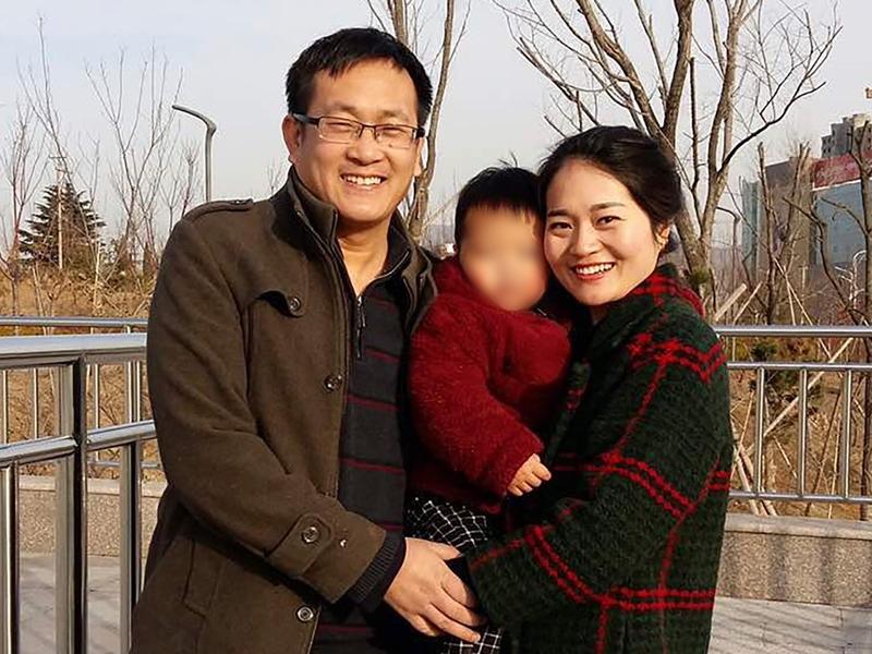 內地維權律師王全璋的妻子李文足獲獄方通知,可以在本月28日會見丈夫。資料圖片