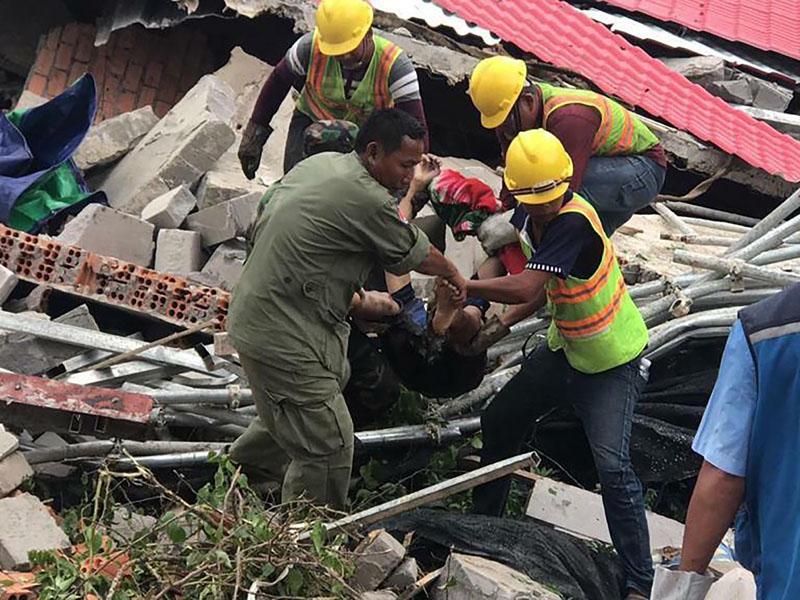 柬埔寨中資大樓倒塌增至少28死,兩生還者獲救。AP
