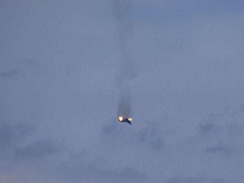 德國兩架颱風戰機(Eurofighter)相撞墜毀。AP