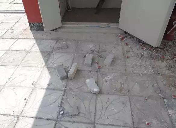 河南省平頂山市發生一宗高空擲物砸傷小學生的事件。  網上圖片