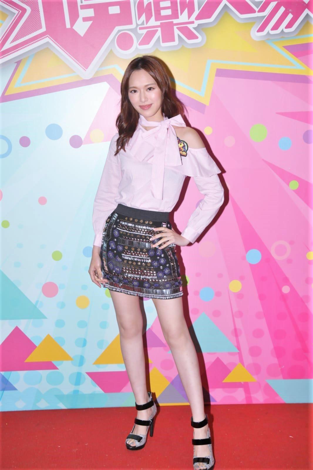馮盈盈稱自己當年視Mina為偶像。